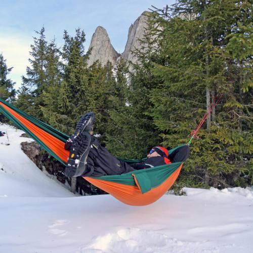 Relaxare in hamac iarna
